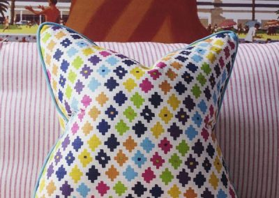 24034-serengeti-multi-cushion-lifestyle